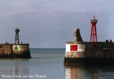 Pleins feux sur les phares port en bessin huppain - Poissonnerie port en bessin ...